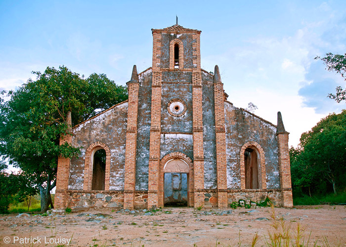Eglise de Kipili - C6Bo Voyage blog plongée