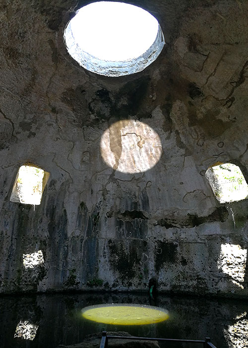 Ruines de la cité de Baïa | © Lucamato