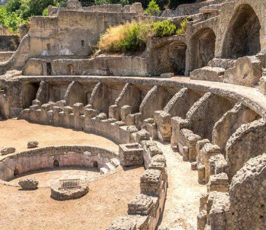 Ruines de la Villa dell'Ambulatio   © Simone