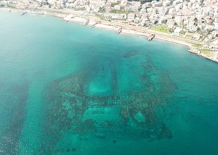 Vue aérienne de la cité submergée | © Centro Sub Campi Flegrei